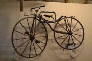 Sykkel lagd av tre