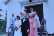 Her er et gammelt bilde fra 80 åra når de giftet seg i Maridalen kirke. Mange gode minner her