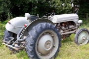 Tirsdag - ingen sjans på at dette er en Renault traktor