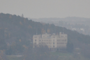 Den ble ferdigstilt i 1917 som Kristiania Sjømandsskole og Sjømannsskolen ble nedlagt i 1989. Nå holder Kongshavn videregående skole til der