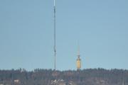 Tryvannstårnet er 118 meter høyt og ligger 529 meter over havet. Bygget i 1962 og var godt besøkt til det stengte for besøkene i 2005. Litt synd det da, var kjempefin utsikt derfra