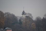 Vi tar et nytt bilde av Tårnhuset og ser hvor nærme vi kommer