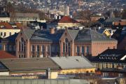 Vi var innom Bolteløkka tidligere, her ser dere Bolteløkka skole som ble åpnet i 1898. Før det lå det en diger paddedam der, da dette var ute på landet da