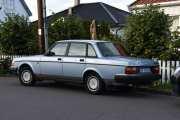 Men nå må vi registrere biler også, dette er en Volvo 240 GL fra 1992. Nesten veteran da, bare noen år til
