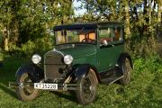 Så kommer vi til neste bil som er enda eldre enn de vi har sett nå, dette er en Ford A fra 1928. Når kom skille fra virkelige veteraner og veteraner, Ford og Renault var bilmerkene som markerte skille