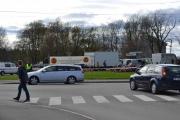 Fredag. Her ankommer vi Ekeberg etter og ha tatt 23 bussen til endestasjonen. Masse trafikk allerede og politiet er selvfølgelig på plass.