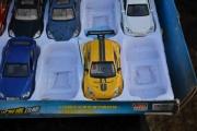 Fredag. Nå tar jeg meg en rundtur med kamera, og ha finner jeg her? En Renault Megane Sport, dessverre i feil skala for meg.