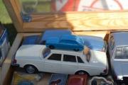 Fredag. Her finner jeg en Renault til, disse plastbilene selges gjerne for 300 - 400 kroner.