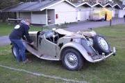 Fredag. Det må vel være en Morgan og den er nylig restaurert teknisk. Den skal skinne utvendig litt senere.