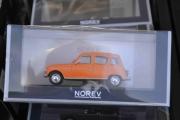 Lørdag. Og en Renault 4 også i feil skala.