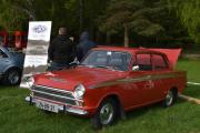Denne kjenner de fleste av oss igjen, det er en Ford Cortina fra 1966