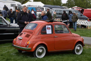 Det er en Fiat det ser jeg, men jeg mener så absolutt at denne karen kjører Renault også. Kommer mer, her gir jeg meg ikke