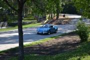 En ny bil er på vei inn på parkeringsplassen