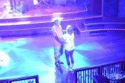 Nå er det noen som tuller med mitt kamera, det er jo meg og min kone der nede og danser