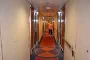 Har dere lagt merke til hvor smale korridorene er når man skal legge seg for natta?