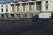 Da er vi fremme ved Trikkesløyfa i Vestgrensa 2, Colletts plass. Hvis noen husker, Ullevål kino holdt til her inntil den ble nedlagt i 1964