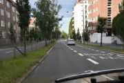 Da er vi i Kirkeveien som tidligere var en bygdevei mellom Skarpsno og Ullevål. I 1920 åra var det trær langs veien og de har blitt borte en etter en med åra, men i 2016 ble det trær igjen i Kirkeveien
