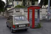Nå har vi parkert ved den røde telefonkiosken ved den Polske ambassaden, adressen til kiosken er Olav Kyrres plass 1. Da blir dette telefonkiosk nr. 9