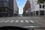 Så må vi svinge inn til høyre og er i Tordenskiolds gate, den fikk navn i 1864 etter sjøkrigshelten Peter Wessel Tordenskiold
