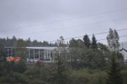 Vi drar oppover og ser igjen på det merkelige bygget som dukker opp her ved siden av oss