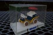 Nei Knut, det hjelper ikke å snu den selv om det står Mobil bak. Jeg har to montere og et skap som nesten er fult, og beveger jeg meg en cm. meter utenfor er løpet kjørt