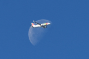 Morten 21 september 2019 - Månen og et stort fly over Ekeberg