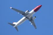 Morten 22 september 2019 - Stort fly over Høyenhall, det er LN-DYF som er et Boeing 737-8JP eid av Norwegian