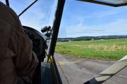 Under take off har jeg ikke lov til å ha sidevinduene oppe, heller ikke når vi lander