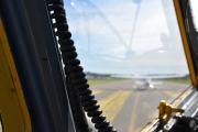 Det andre flyet er jo foran oss