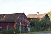 Nå ser vi også enden av Norsk Folkemuseet hvor antagelig Hardanger husene står