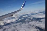 Nå gjør flyet en sving, da er vi nok over Frankrike