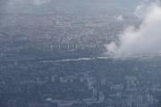 Kan det være Seinen som renner her ved siden av flyplassen Paris-Charles de Gaulle Airport?