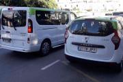 Men så normaliserer ting seg, en Renault Trafic til venstre men hva har du tatt bilde av til høyre? Det jeg kan lese er at den heter Lodgy Mogan L.M.100, nå vet nok du mer en meg