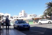 Tirsdag morgen for Vidar men det var egentlig langt ut på formiddagen dette bilde kom. Det er faktisk Politiet som står utenfor hotellet deres, hva har skjedd nå? PS. Det er faktisk en Renault