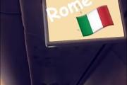 Nå er ikke jeg så flink til og oversette, men de sitter på et fly til Roma - og Kim som har flyskrekk da