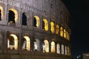 Ok, selvfølgelig må de på en natt guide tur til Colosseum først. Et fantastisk byggverk