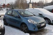 Først så må vi ta en titt her ute, dette er en Renault Clio fra 2010