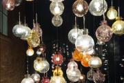 Ja, Hadeland Glassverk kan det med julekuler