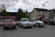 Så har en franskmann dukket opp, det er en Citroen 2 CV 6, 1986 modell. Et norsk og et fransk flagg på bilen, det var kreativt
