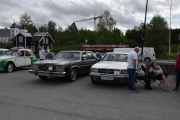 Den til høyre er en Mercedes-Benz 500SEC fra 1984, den til venstre har vi tatt