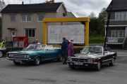Til venstre en Ford 500 Convertible, 1969 modell og til høyre en Mercedes-Benz 300 SL, 1986 modell. Nå kan det hende jeg går litt rundt meg selv og tar noen biler på ny