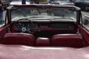 Original radio ser jeg, men vet du hvilken bil vi ser på nå? Stikkord, se på rattet