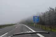Da har vi den lange veien oppover langs Mjøsa og det er ikke så morsomt i 70 km i timen