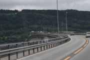 Mjøsbrua er 1420 meter lang, er Norges fjerde´s lengste bro
