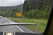 Kun 8 km til Ringebu, der har vi vært på Renaulttreff ved Frya leir. Pass opp for radarboksen forresten, kan man få bot for å kjøre forsakte også?