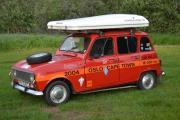 Renault 4 med skiboks på taket, men det kan hende du for en overaskelse senere