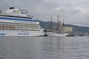 Sea Cloud II heter seilbåten framfor oss som også er et kruseskip fra Tyskland