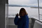 Da er vi om bord i båten og på vei mot Hovedøya