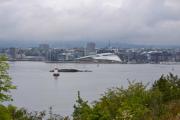 Hovedøya - Det er fin utsikt herfra også, her ser vi ytterst på Aker brygge. Også kalt Filipstad i gamle dager