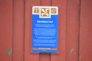 Hovedøya - Nå har vi gått ned til det røde store huset som er Hovedøya bad